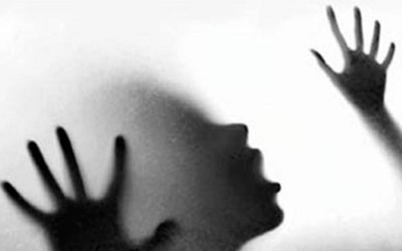 Espanha: 5 Homens Absolvidos de Violação Pois a Vítima de 14 Anos Não Lutou de Volta