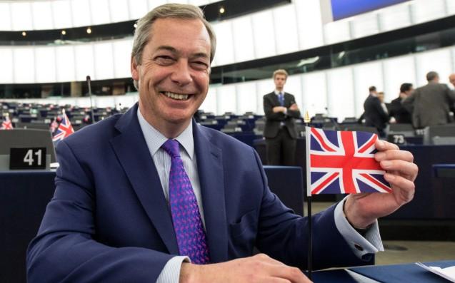Farage: Temos de Acabar com a Agenda Mundialista de Passagem de Soberania dos Povos para as Elites