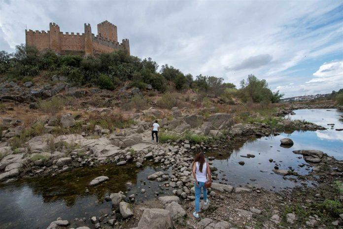 """""""Espanha Deixa a Região Mais Pobre de Portugal Sem Água"""" diz Jornal Espanhol"""