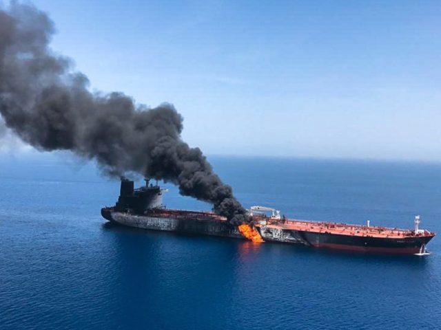Irão ou Bandeira Falsa? Ataques de Torpedo a Petroleiros no Estreito de Ormuz