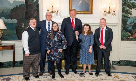 Trump é o 1º Presidente Americano a Participar na Marcha Pela Vida em Washington