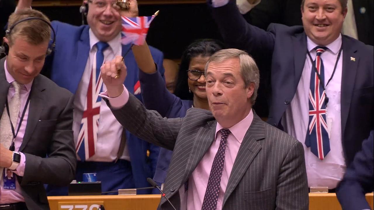 """""""Amamos a Europa, Apenas Odiamos a UE"""": Último Discurso de Nigel Farage no Parlamento Europeu"""