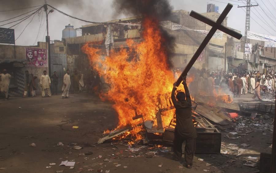 Bem-aventurados: Perseguição dos Cristãos no Paquistão, Irlanda, França, Congo e Chile